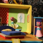 MOOCH PORTABLE DOLLHOUSE